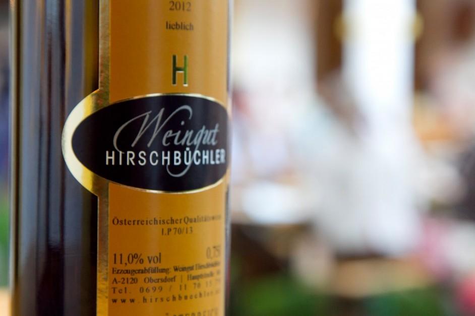 Weinflasche Weingut Hirschbüchler